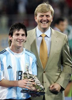 Лионель Месси (слева) и принц Голландии Виллем Александер