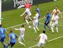 Игровой момент матча Италия - Испания