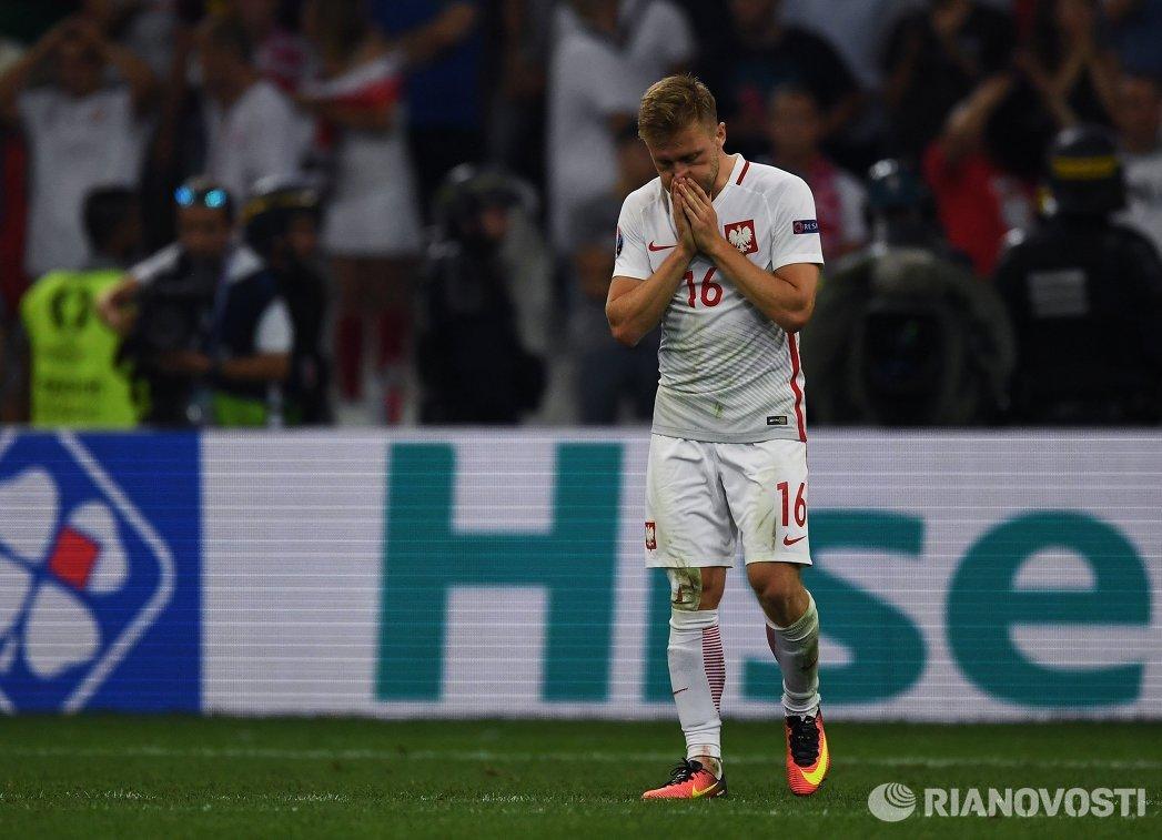 Полузащитник сборной Польши Якуб Блащиковский
