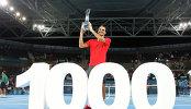 Роджер Федерер на церемонии награждения по случаю победы на теннисном турнире в Брисбене