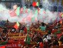 Болельщики в Париже взрывают петарды и жгут файеры после победы Португалии на Евро-16
