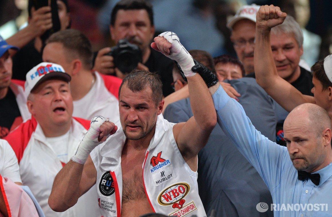 В центре: Сергей Ковалёв (Россия)