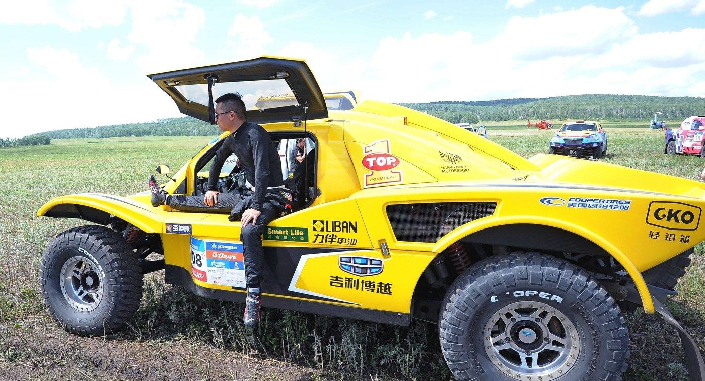 Китайский пилот команды Geely Boyue Hanwei SMG Team Хань Вэй