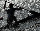 Спортсмен во время заезда на чемпионате России по гребле на байдарках и каноэ